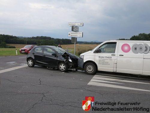 Verkehrsunfall nähe Feuerwehrhaus Höfing
