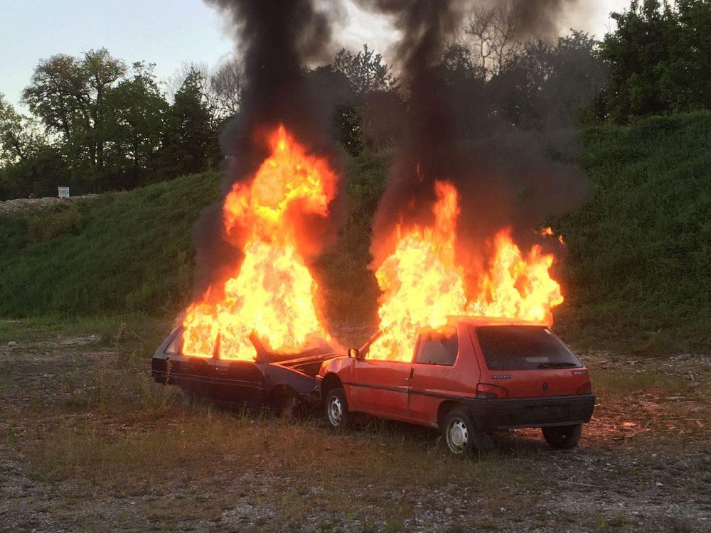 Fahrzeuge gerieten in Brand – Einsatzübung