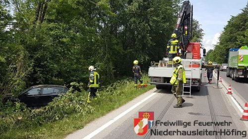 Schwerer Verkehrsunfall auf der B121 in Kematen