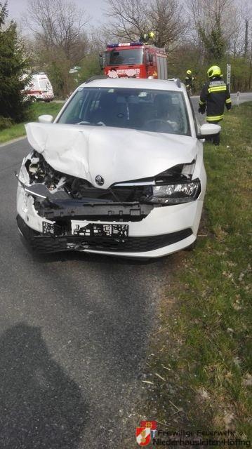 Verkehrsunfall auf der B121