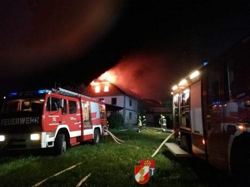 Dachstuhlbrand bei Wohnhaus in Biberbach